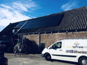 Service-monitoring-onderhoud-schoonmaken-zonnepanelen